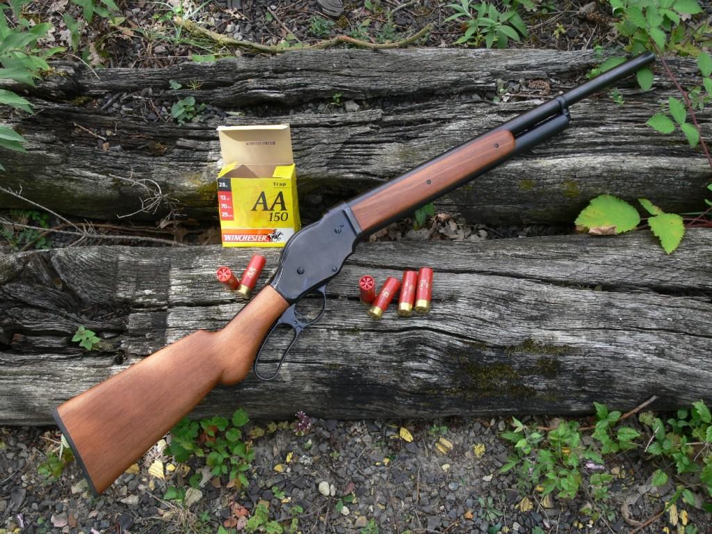 Dénommée modèle 87 W « COWBOY series », la réplique du shotgun Winchester modèle 1887 que nous avons testée au cours de l'été 2006 pour le magazine « Action Armes & Tir » avait été réalisée par la firme chinoise Norinco (China North Industries Corporation), en association avec l'importateur allemand Frankonia, d'où l'apparition d'une nouvelle dénomination commerciale : Norconia.