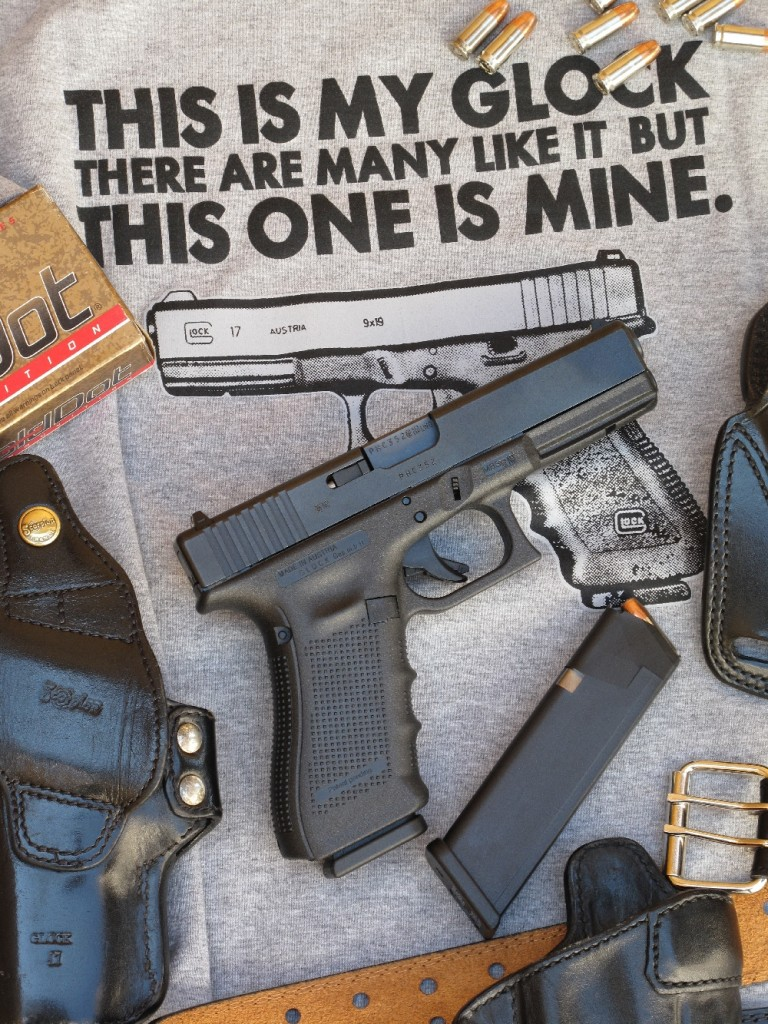 La dernière version du Glock 17 prend la dénomination « Gen4 », autrement dit : quatrième génération. Cette notion est nouvelle chez le fabricant. De fait, les modèles plus anciens se retrouvent implicitement classés dans les trois précédentes générations.