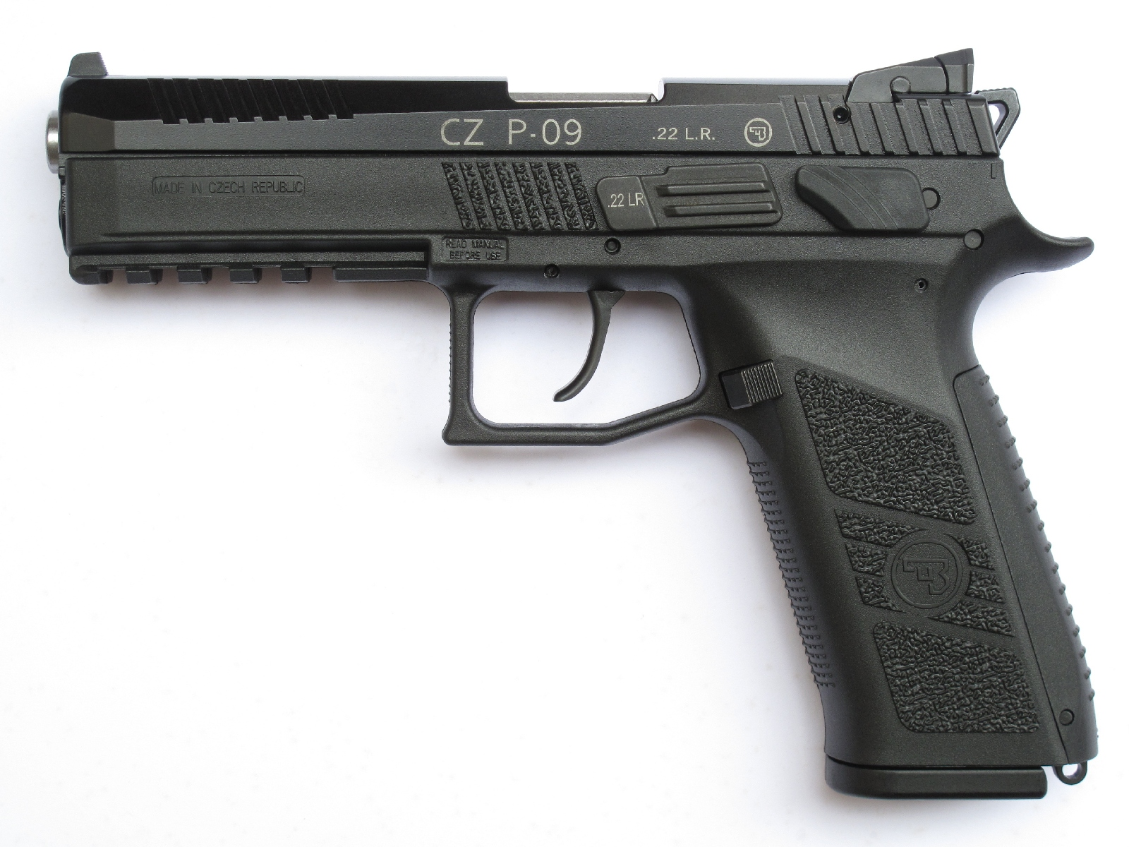 Pistolet semi-automatique CZ P-09 « Kadet » en calibre .22 Long Rifle
