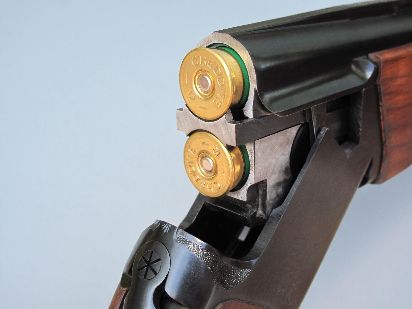 Nous avons testé les munitions Gomm-Cogne 12/67 et Mini Gomm-Cogne 12/50 dans un fusil de chasse Baïkal MP-27M, de calibre 12/76, dont les deux canons superposés mesurent 72,5 cm de longueur.