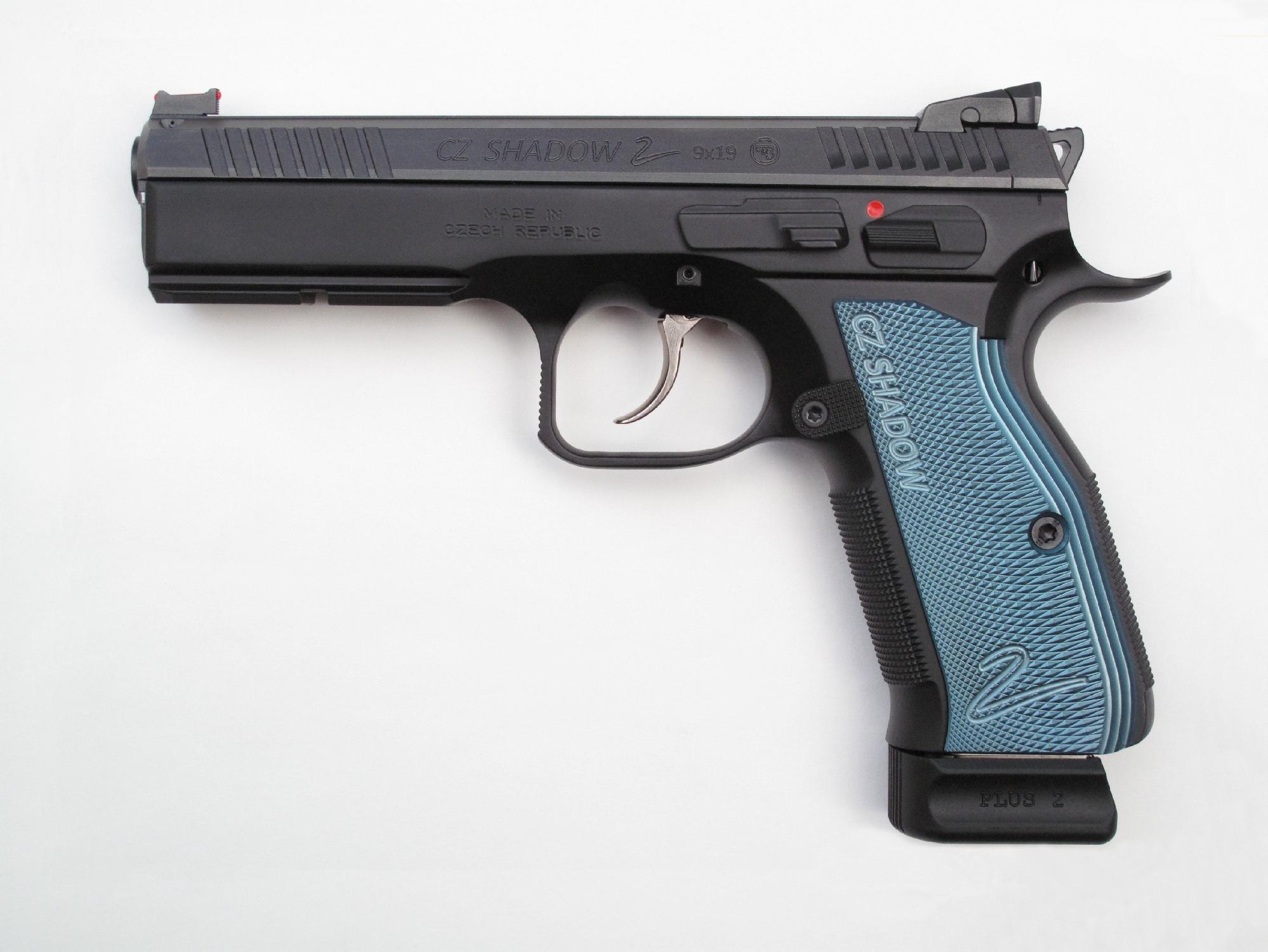 Pistolet semi-automatique CZ 75 « Shadow 2 » en calibre 9 mm Parabellum.