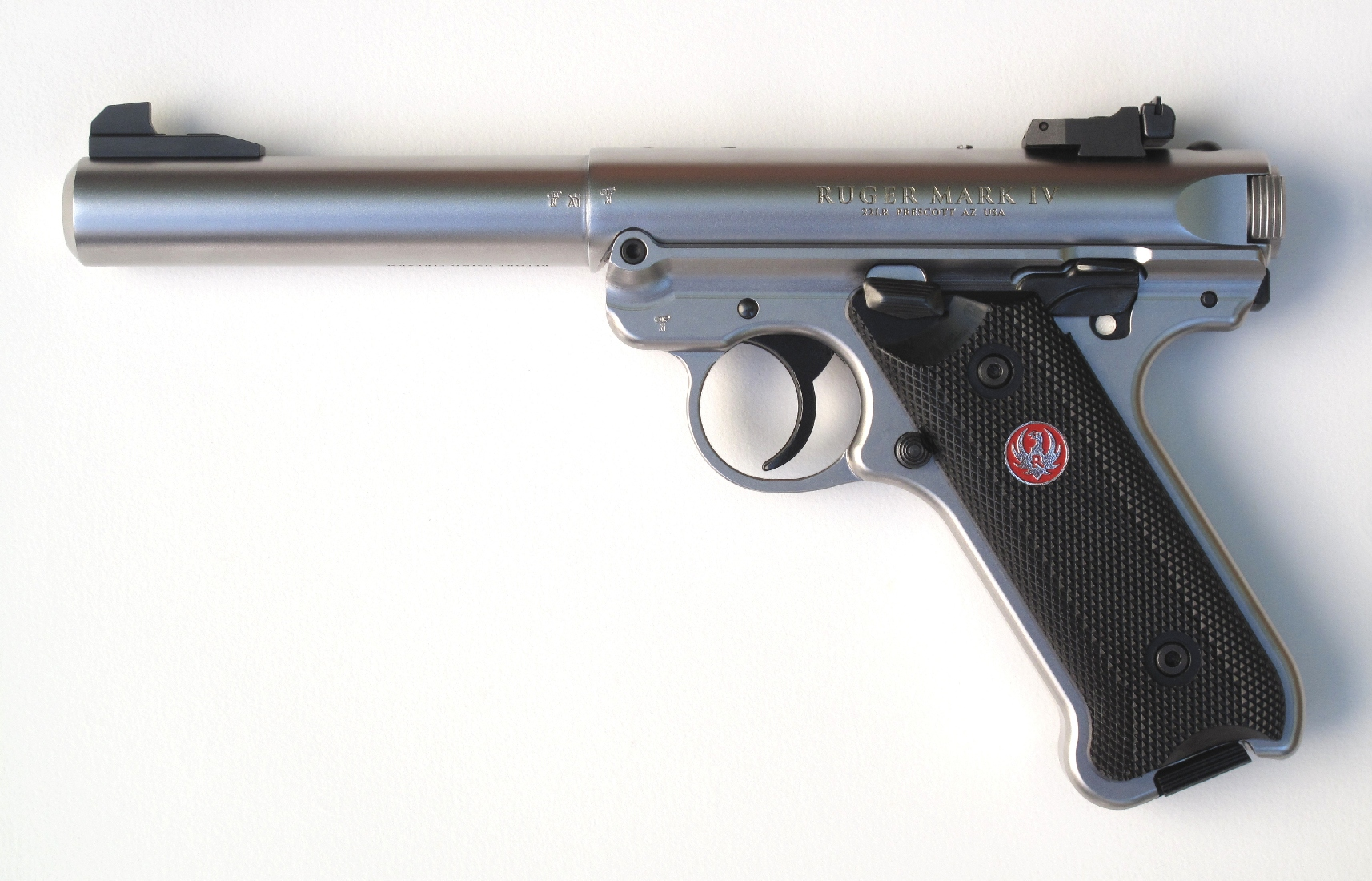 Pistolet semi-automatique Ruger Mark IV Target calibre .22 Longt Rifle.