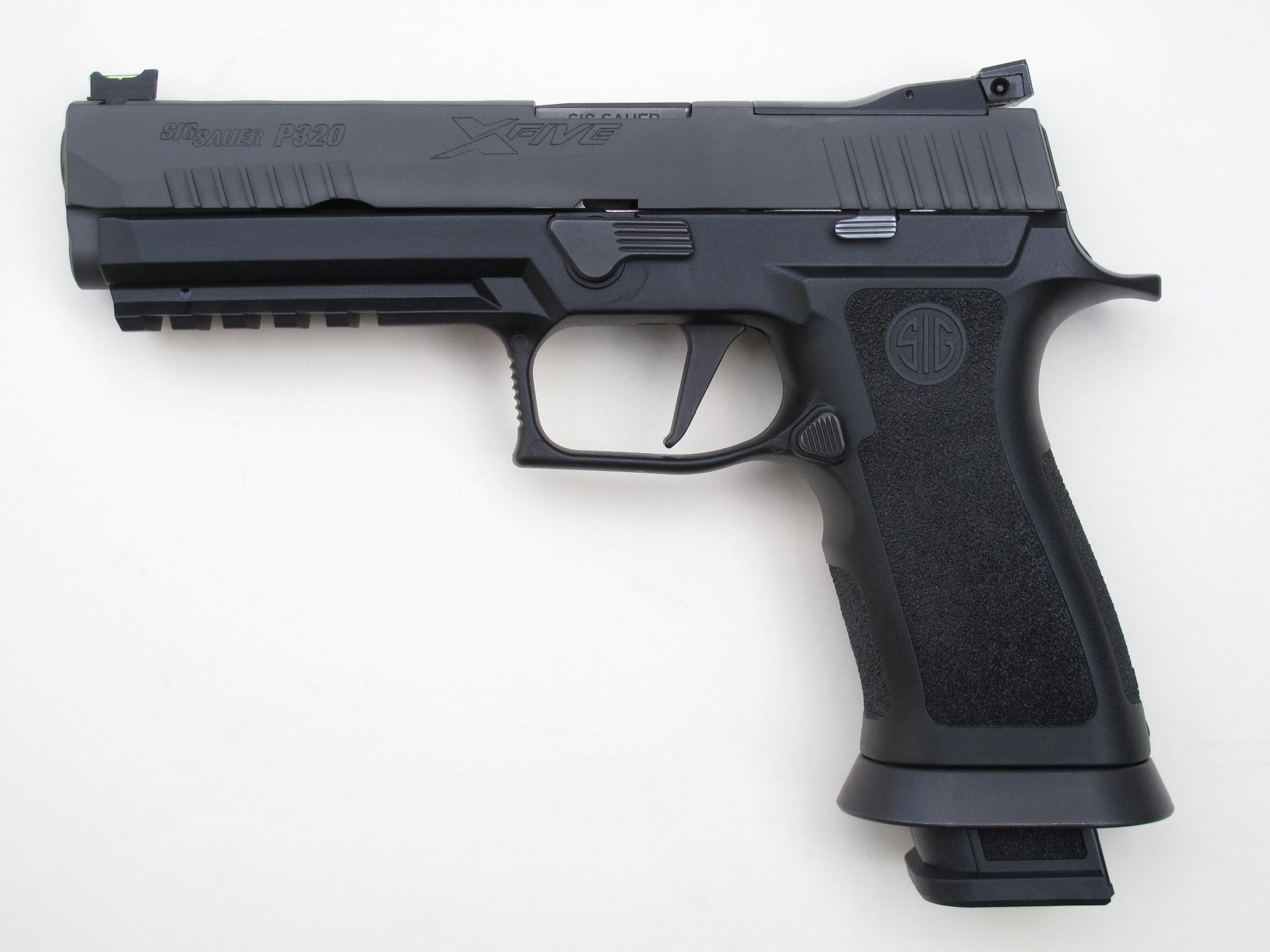 Pistolet semi-automatique SIG-Sauer P320 « X-Five » en calibre 9 mm Parabellum