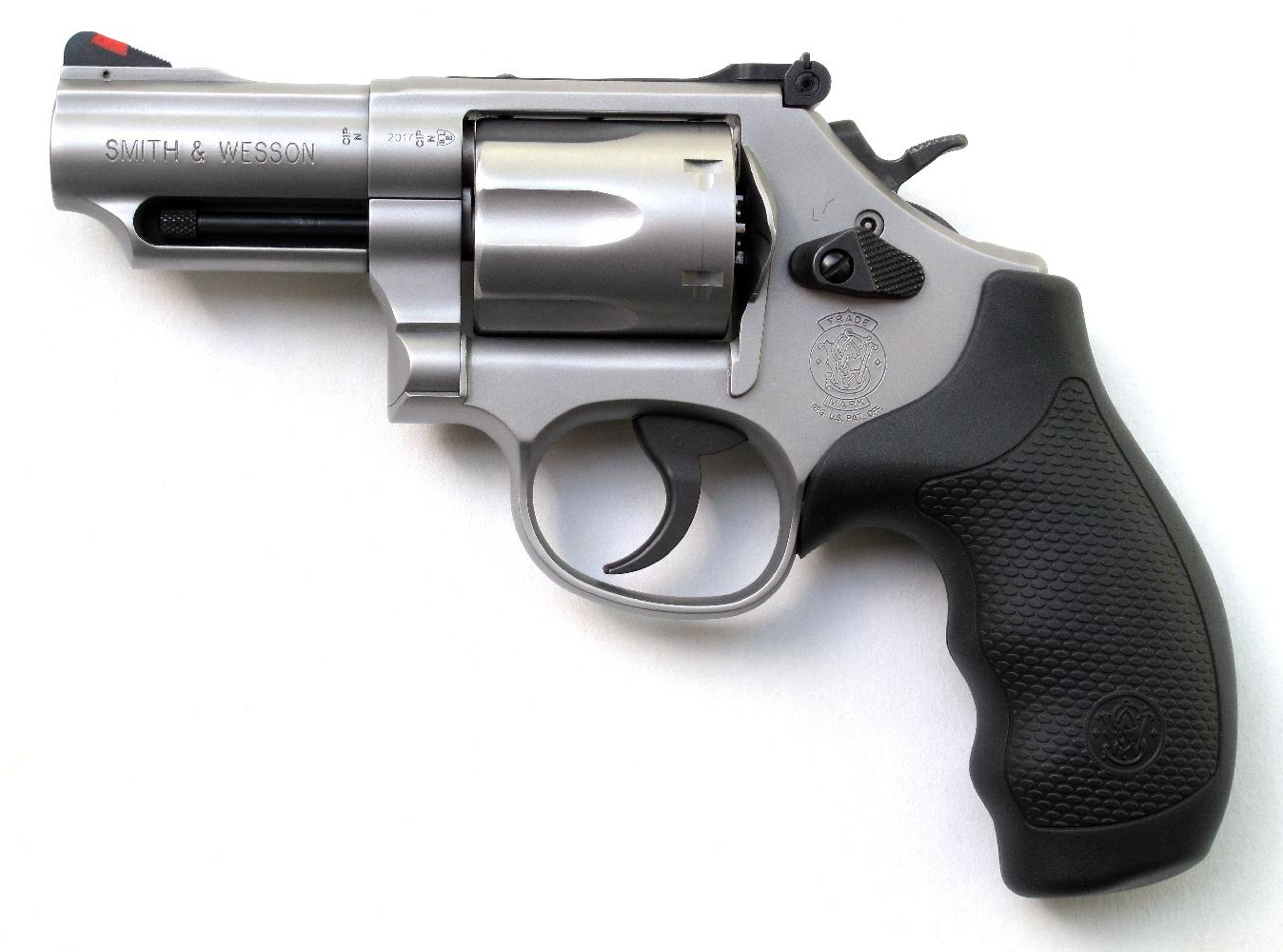 Revolver S&W modèle 66-8 « Combat Magnum » en calibre .357 Magnum