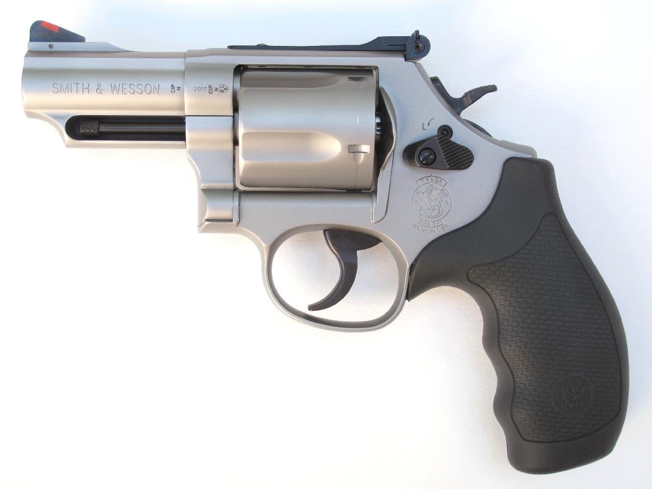 Revolver S&W modèle 69 « Combat Magnum » en calibre .44 Magnum
