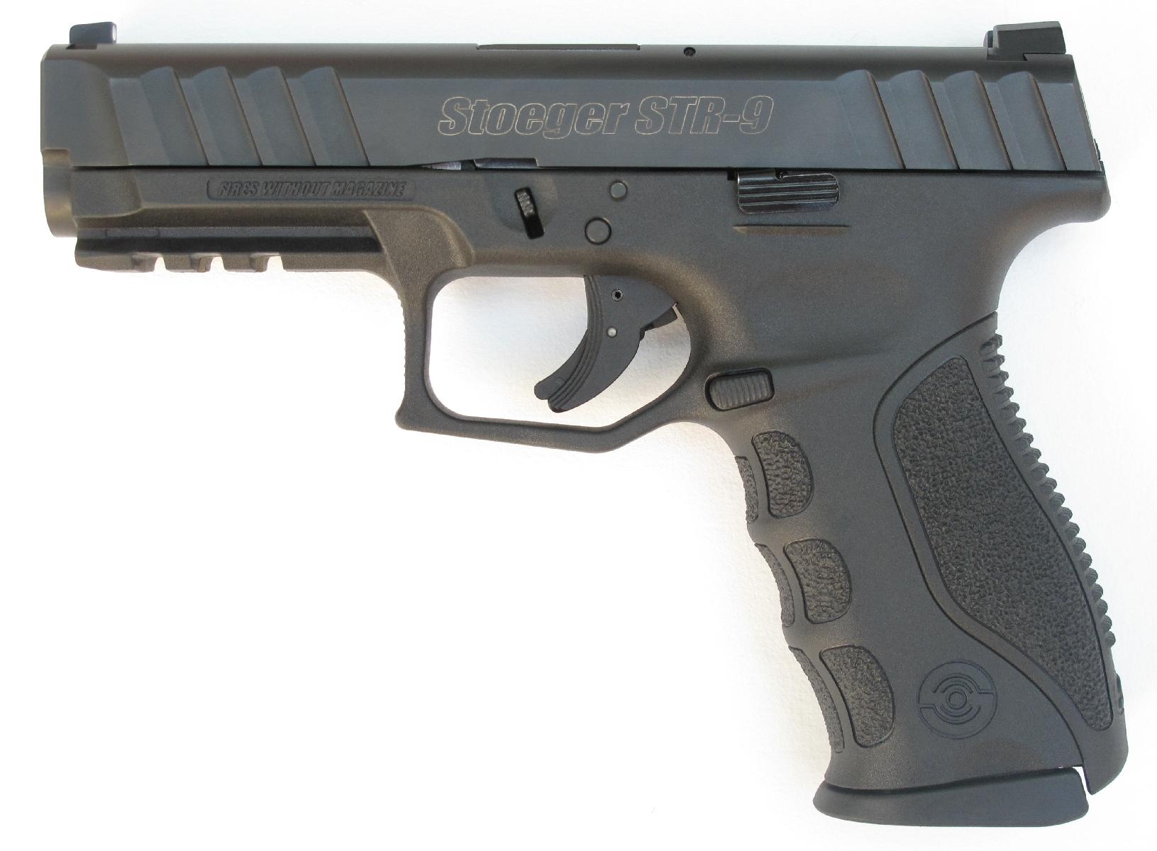 Pistolet semi-automatique Stoeger STR-9 en calibre 9mm Parabellum