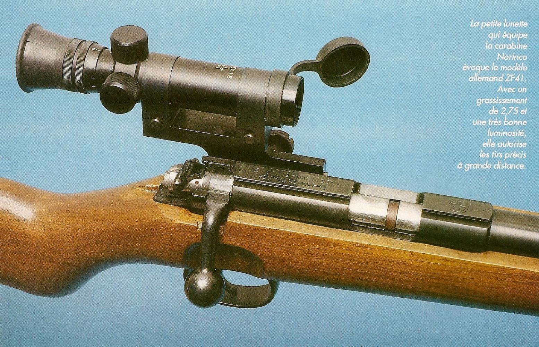 Cette carabine peut être équipée en option d'une lunette 2,75 x 18 à montage rapide grâce à un rail fixé sur le côté gauche du boîtier de culasse.