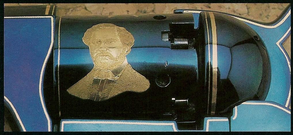 Portrait de Samuel Colt finement gravé sur le barillet de la réplique Pietta.