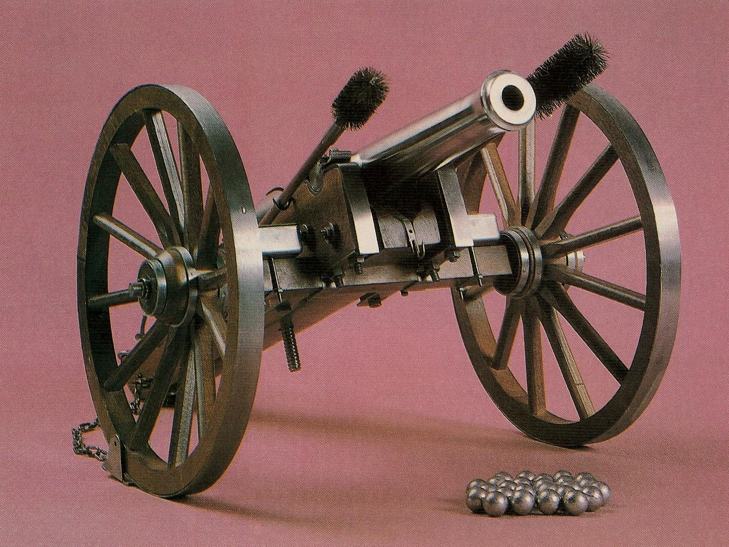 Le canon « Napoléon III » proposé en kit ou monté par la firme espagnole Dikar/Macris, devenue par la suite Ardesa, est une réplique dotée d'un tube massif usiné dans un bloc d'acier et de très belles roues cerclées.