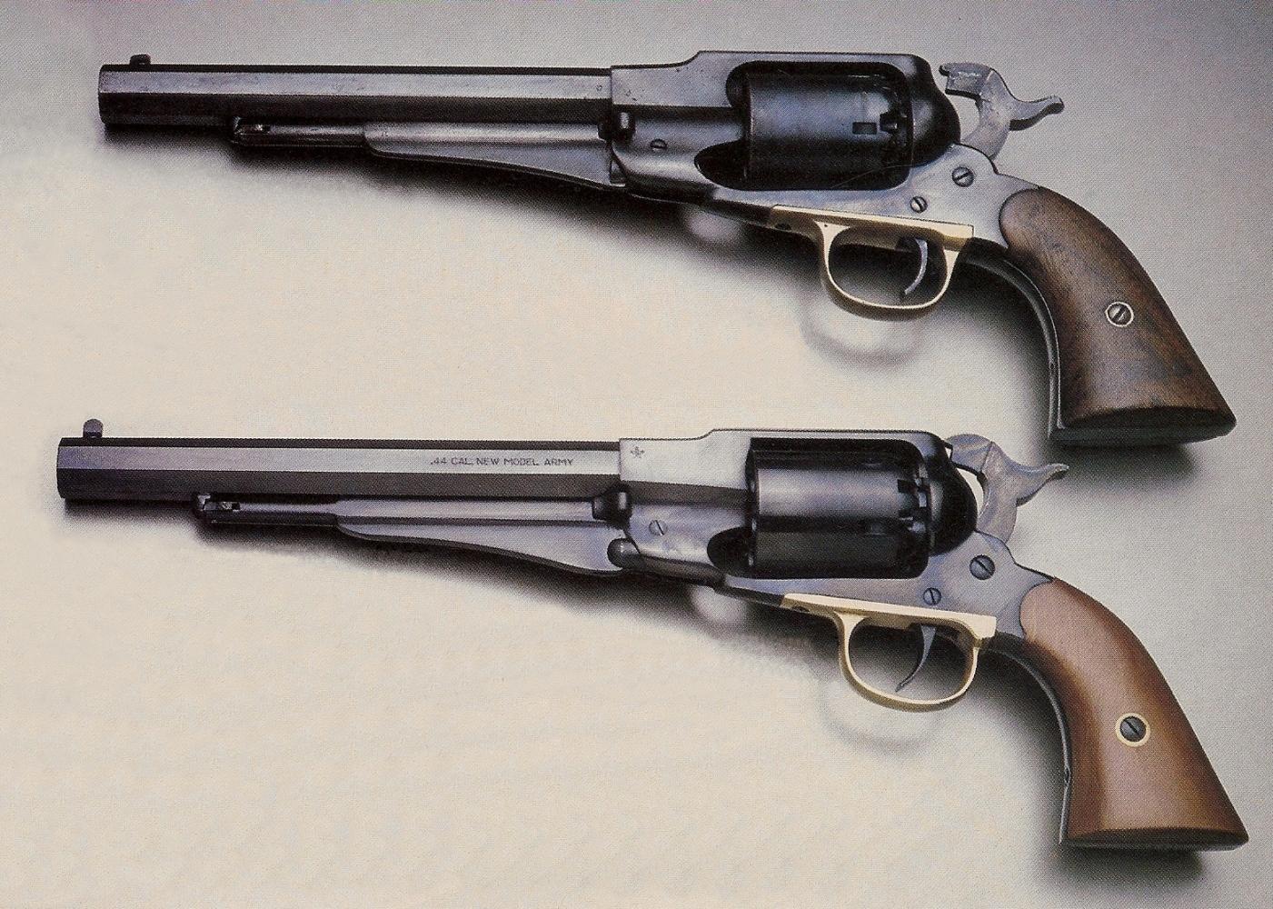 La comparaison entre ce revolver Remington New Model Army 1863 d'époque (au-dessus) et sa réplique Euroarms ne permet pas, de prime abord, de découvrir de différences autres que celles relevant de l'ordre du détail.