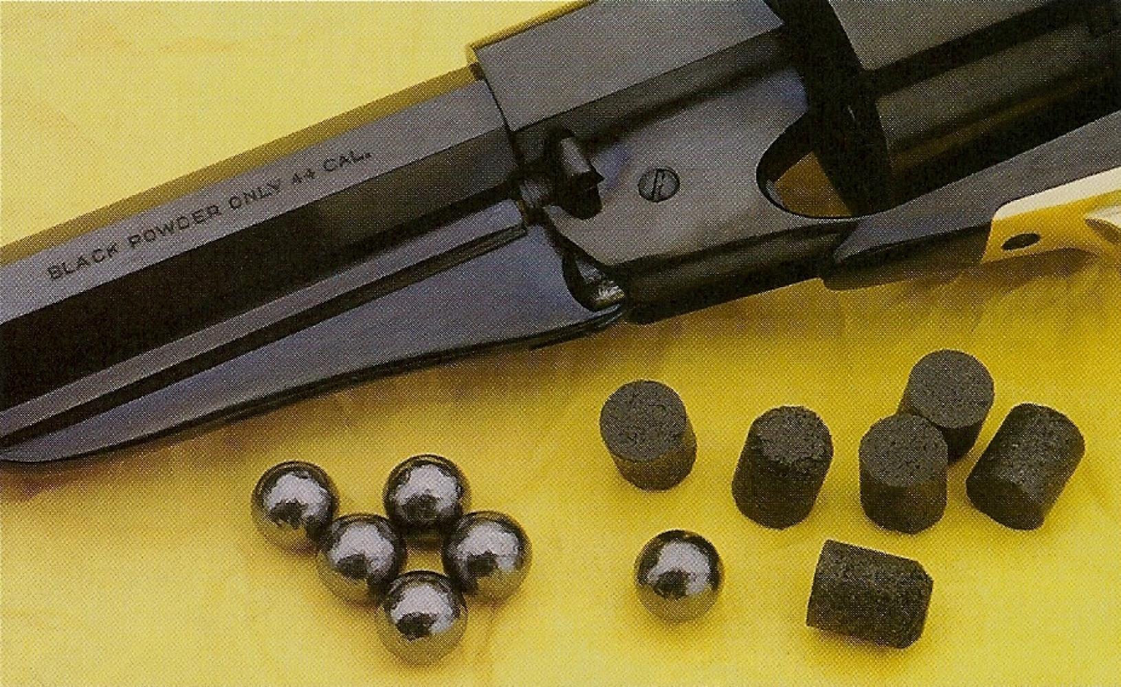 Les charges propulsives VECTAN se présentent sous forme de cylindres solides, constitués par de la poudre noire compactée. Leurs dimensions sont parfaitement adaptées à celles des chambres des barillets de calibre .36 et .44.
