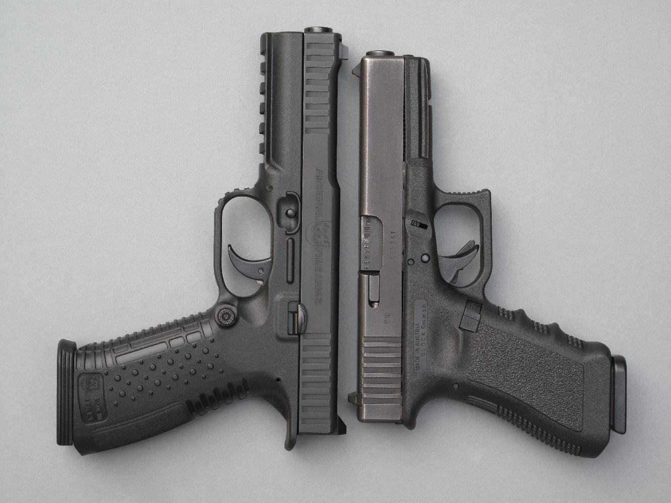 Dans sa version standard (une version « Combat », plus compacte, doit venir enrichir la gamme), le Strike One est doté d'un canon de 5 pouces, plus long que celui du Glock 17.