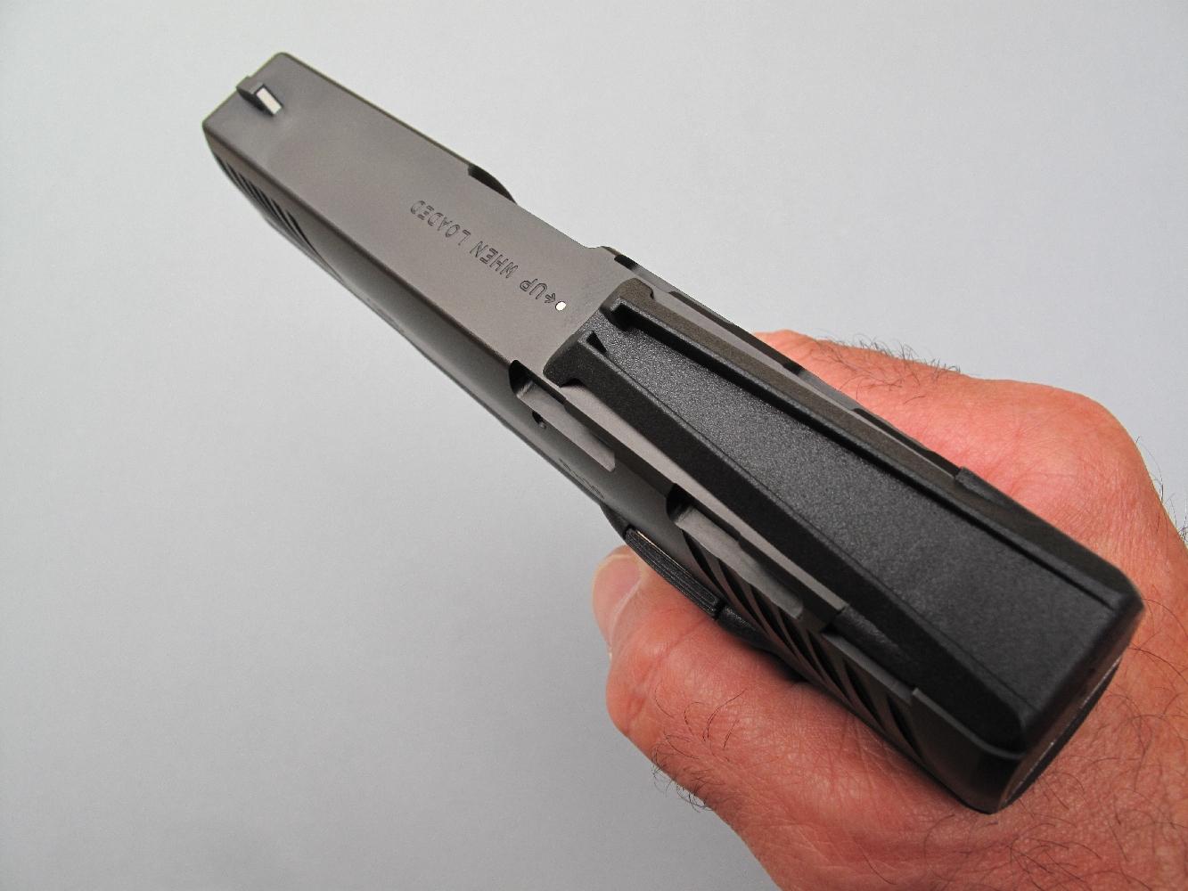 Ce pistolet dispose d'éléments de visée instantanément interchangeables. On remarquera tout particulièrement sa hausse « Quick Sight », qui permet d'améliorer la rapidité d'acquisition de la cible grâce à une réduction de la ligne de mire.