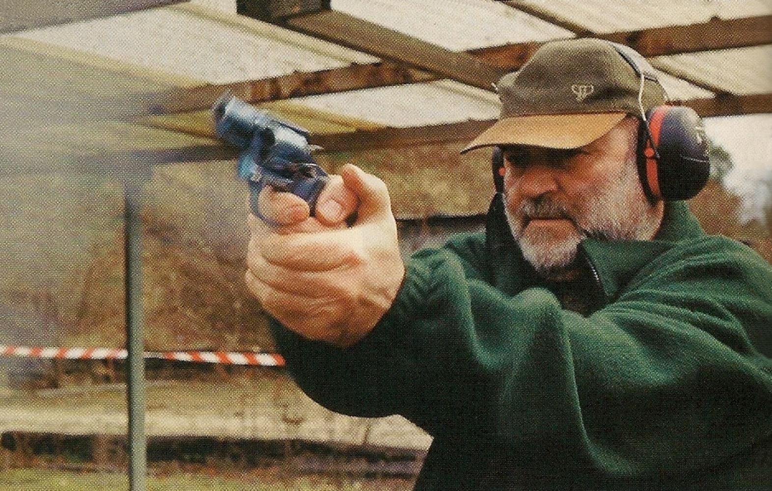 Bien qu'il soit difficile d'en mesurer la réelle efficacité, le compensateur semble remplir correctement son rôle, à en juger par le relèvement modéré de ce revolver.