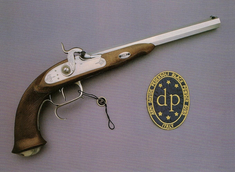 Le pistolet Le Page réalisé par la firme italienne Davide Pedersoli constitue la reproduction fidèle d'un modèle à percussion du XIXè siècle.