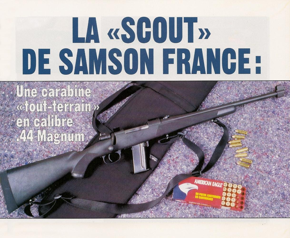 La carabine Scout, munie d'une bretelle à trois points d'ancrage, est livrée dans un fourreau en cordura fabriqué par la maison française GK.