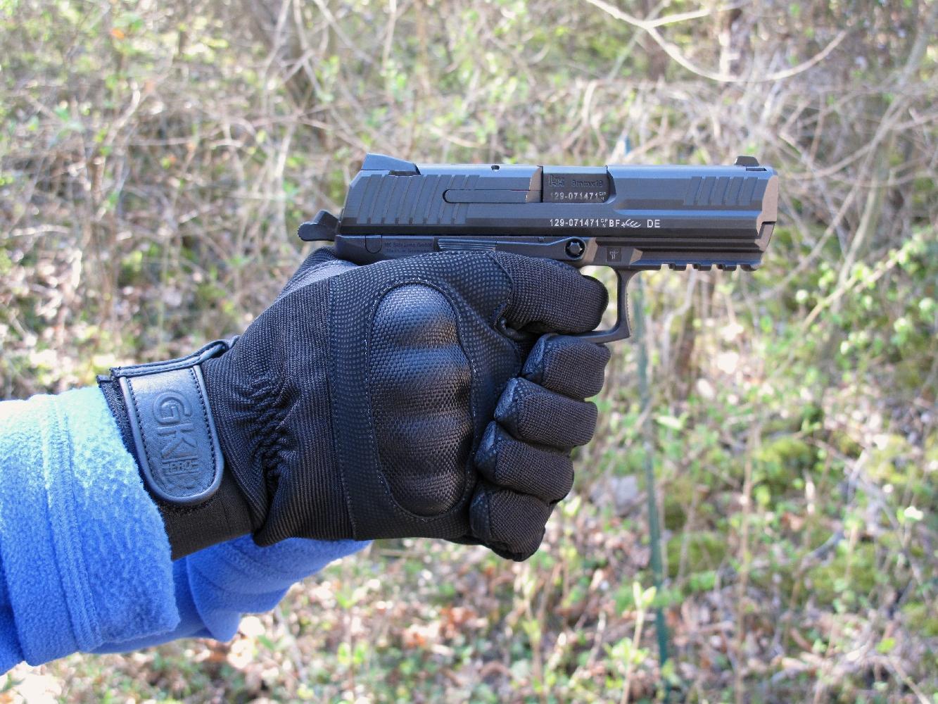 Les gants tactiques coqués bénéficient d'un revêtement caoutchouté, sous la paume et les doigts, qui leur procure d'excellentes qualités antidérapantes.