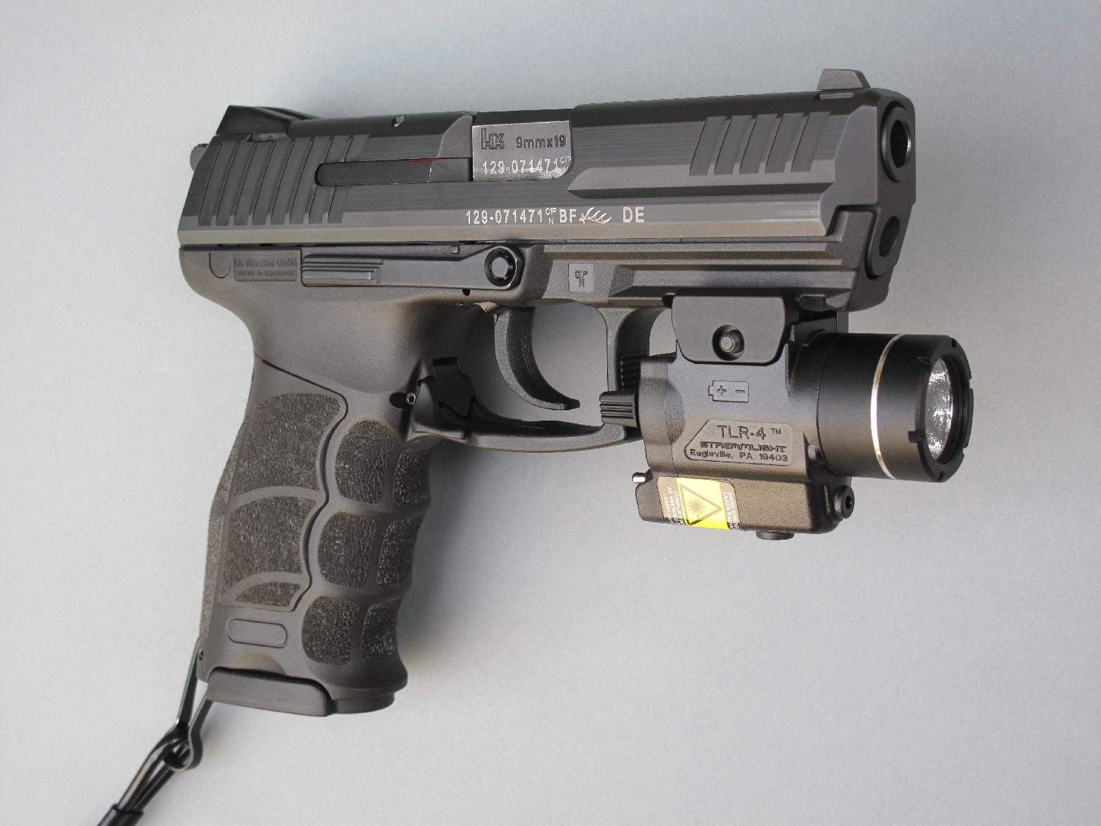 Le HK P30 se présente comme un pistolet semi-automatique particulièrement compact, ses dimensions étant même très légèrement inférieures à celles du Glock 19.