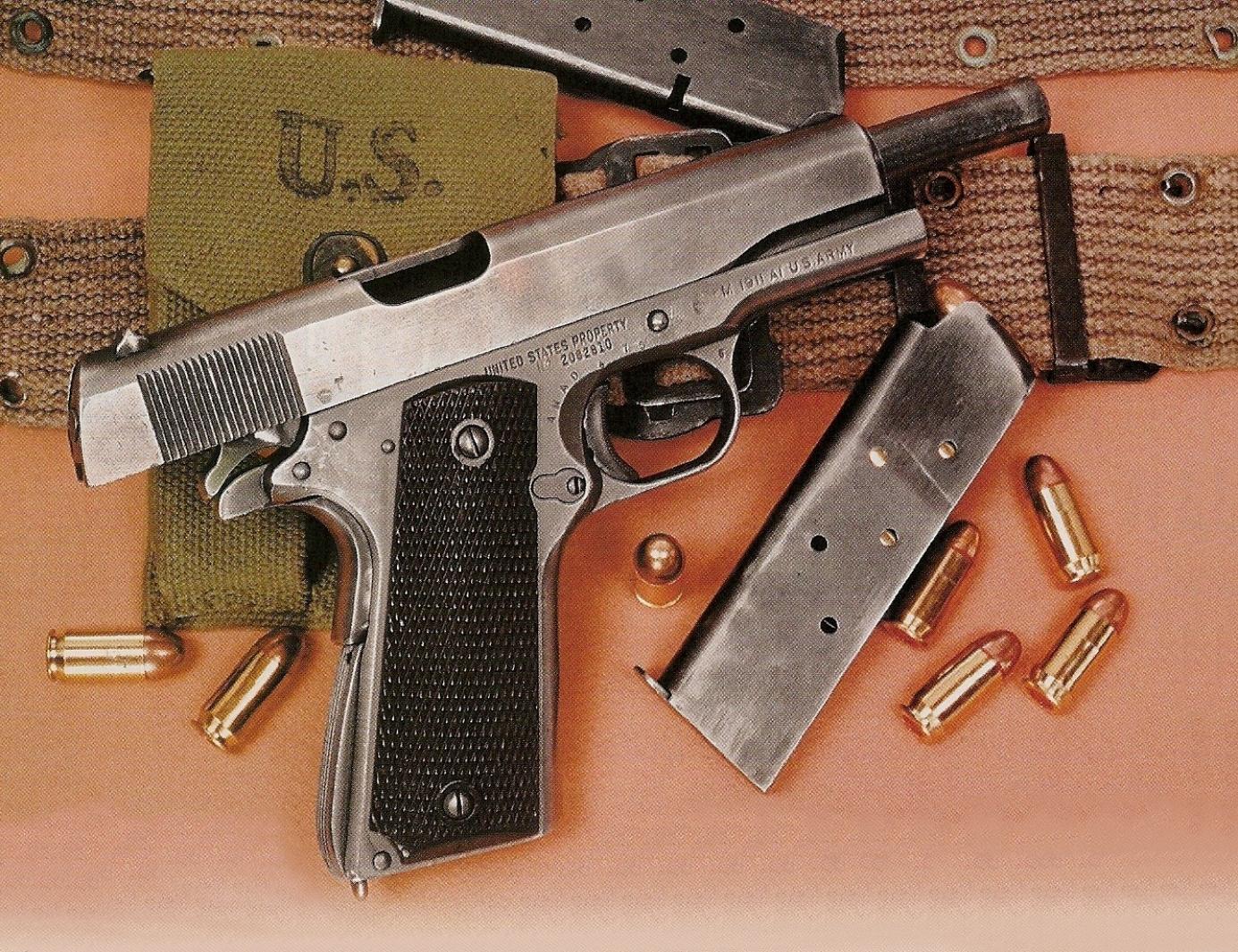 Le fait qu'il s'agisse d'une fabrication de guerre ne se répercute nullement sur le soin apporté par la firme Remington à la réalisation de ce pistolet réglementaire, ni sur la qualité des aciers employés qui reste excellente.