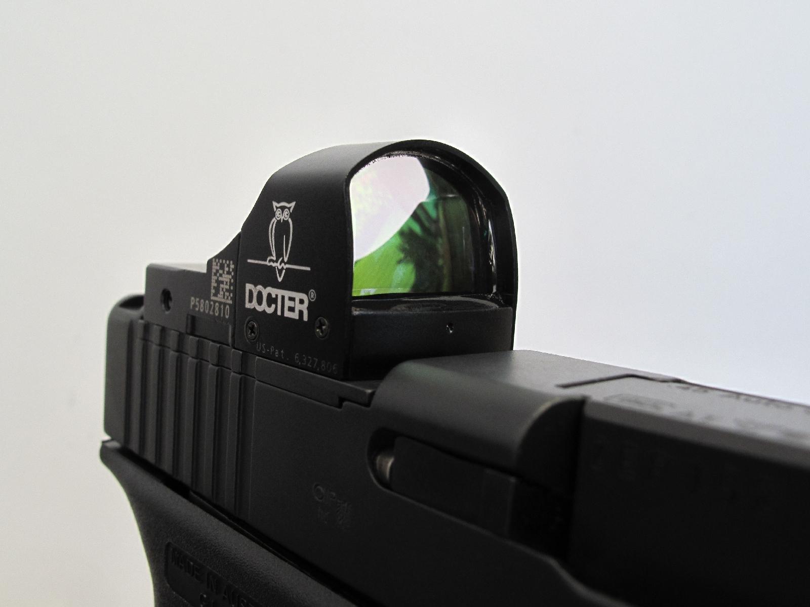 Le micro viseur reflex DocterSight, qui se positionne de façon parfaite sur la culasse à glissière, se révèle idéal pour être utilisé sur le pistolet Glock en version MOS.