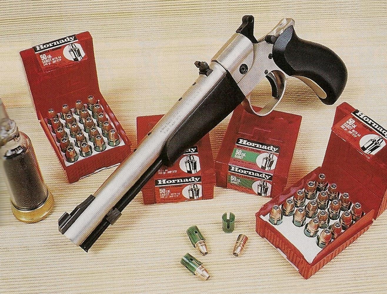 Spécialement destinés à la chasse, les projectiles « Sabot » commercialisés par Hornady (armurerie Universal-Arms) se composent d'une balle blindée Hollow-Point de calibre .44, d'un poids de 240 ou 300 grains, accompagnée d'un godet en nylon de calibre .50.