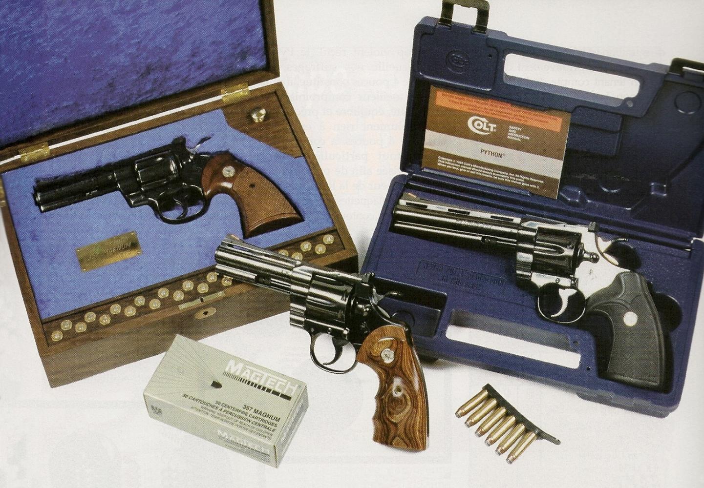 Nous avons réuni ici trois générations de Colt Python : un modèle de 1974, dans un coffret artisanal (Rémi Bourgeois) ; un exemplaire de 1993, dans sa mallette Colt en matière plastique ; un Python Elite fabriqué en 1998, dont la qualité de réalisation est particulièrement soignée.