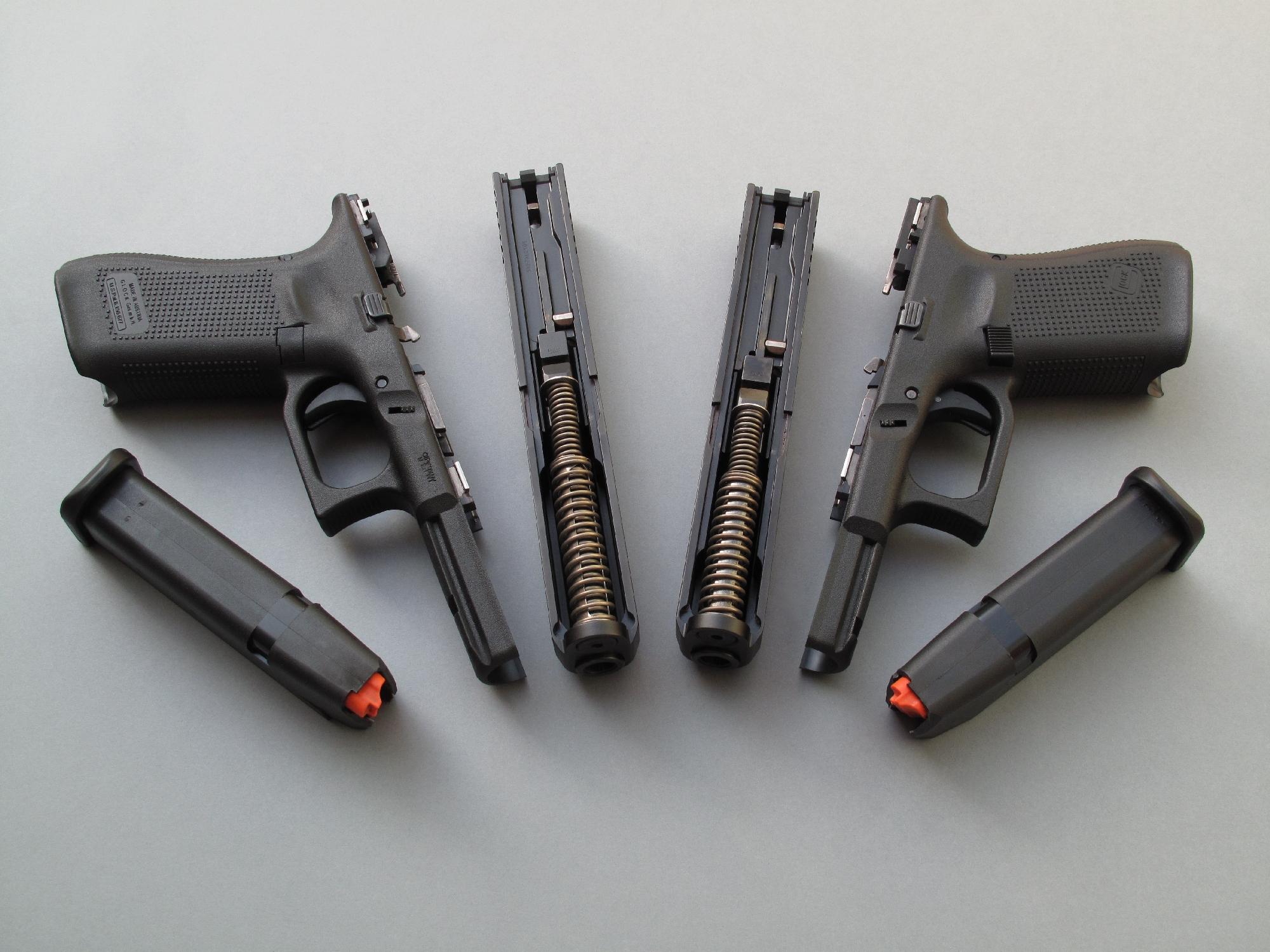 Son démontage instantané, obtenu sans la dépose d'une quelconque clef, constitue toujours l'un des points forts des pistolets Glock, tous modèles confondus.