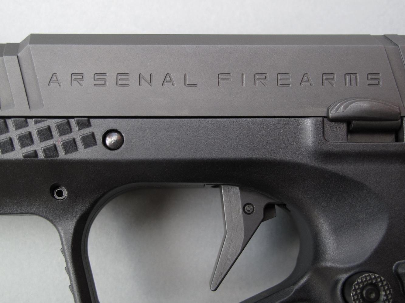 L'Europe n'a décidément plus de frontières intérieures : ce nouveau modèle de la firme italienne Arsenal Firearms est fabriqué... en Allemagne.