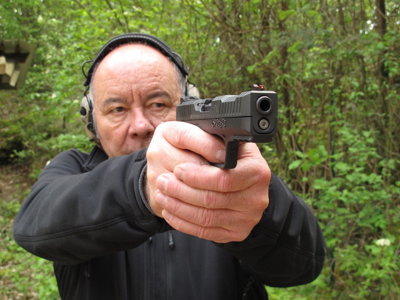 Ce pistolet procure une prise en main, une prise de visée et une précision en cible des plus convaincantes.