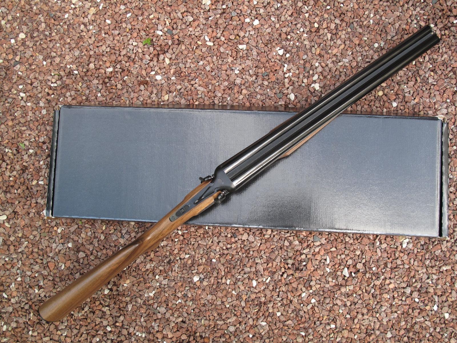 Le canon basculant à ouverture par clef supérieure, qui représente le système le plus simple et le plus rapide à utiliser, a été majoritairement adopté sur les fusils de chasse.