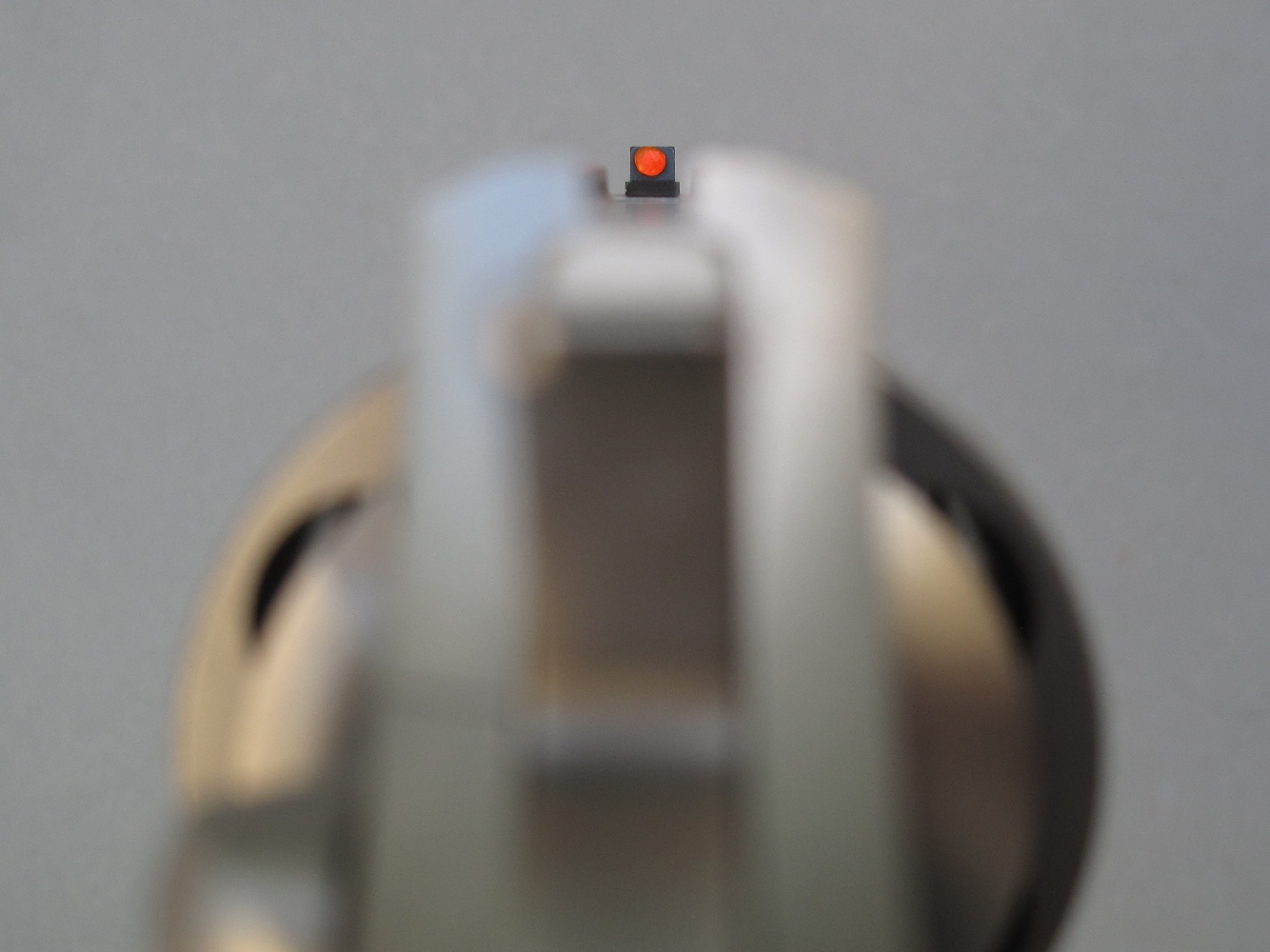 La fibre optique dont le guidon est équipé offre un contraste élevé qui améliore considérablement la prise de visée.