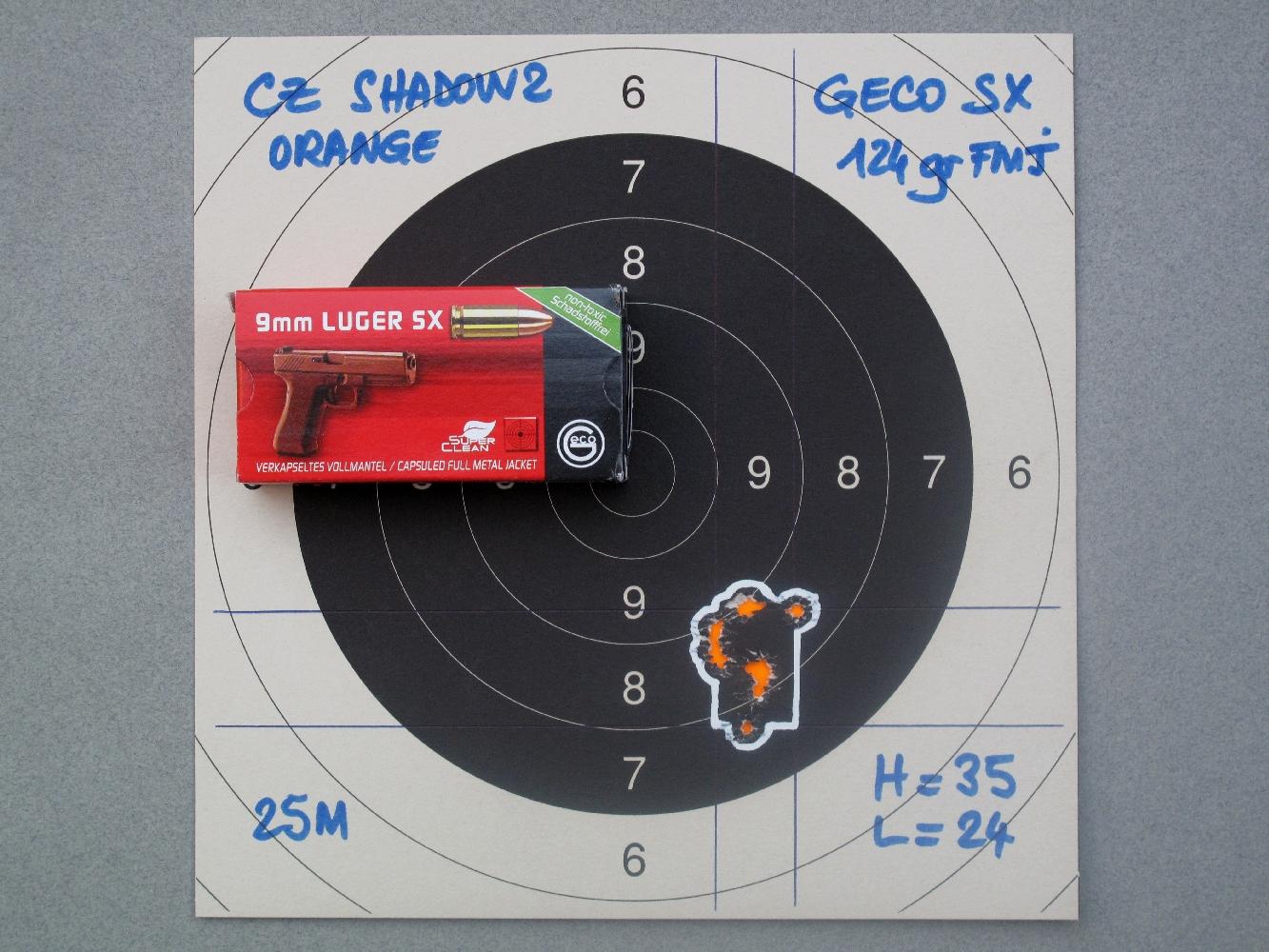 Les groupements réalisés sur appui à la distance de vingt-cinq mètres démontrent la remarquable efficacité de la bague de bushing dont ce pistolet est muni.