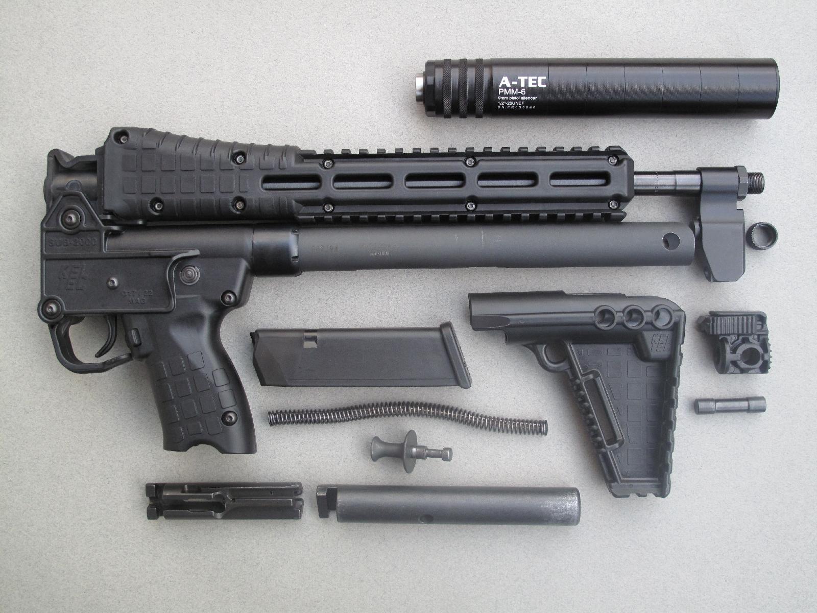 Le démontage sommaire de cette carabine ne présente pas de difficulté particulière et peut être effectué sans outil.