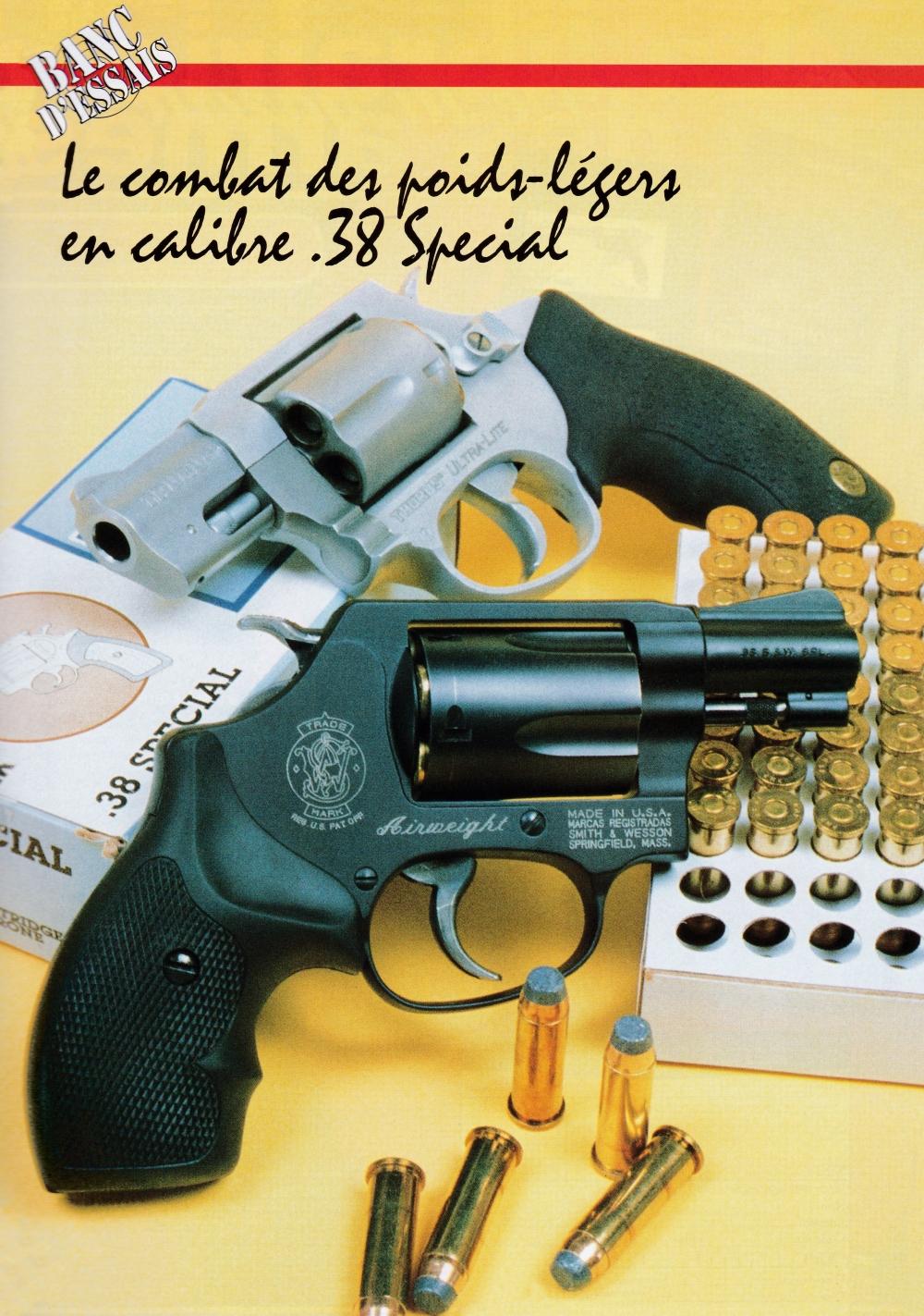 Ces deux revolvers de poche se démarquent d'emblée par leur finition : satinée noire pour le Smith & Wesson « Arweight » et satinée blanche pour le Tarus « Ultra-Lite ».