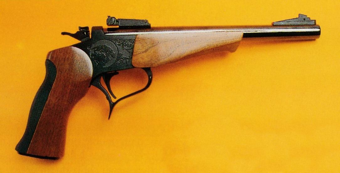 """Le pistolet Contender dispose d'un canon basculant selon le système """"à brisure"""" dont le principe de fonctionnement est proche de celui des fusils de chasse."""