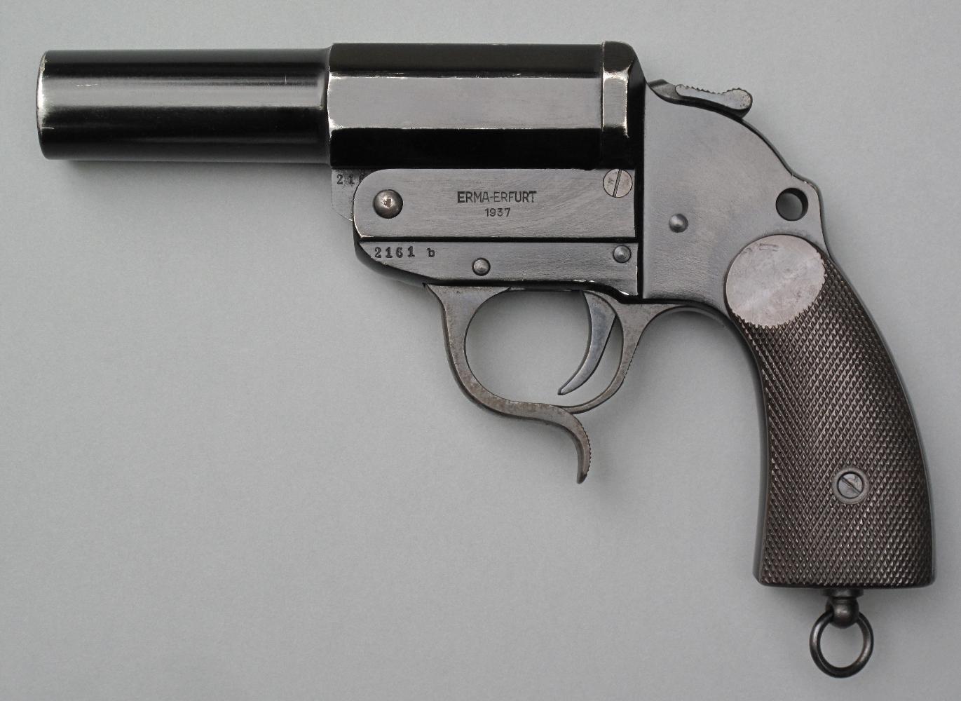 Pistolet signaleur Heer modèle 1934 (Gazette des Armes N°492) fabriqué par ERMA en 1937.
