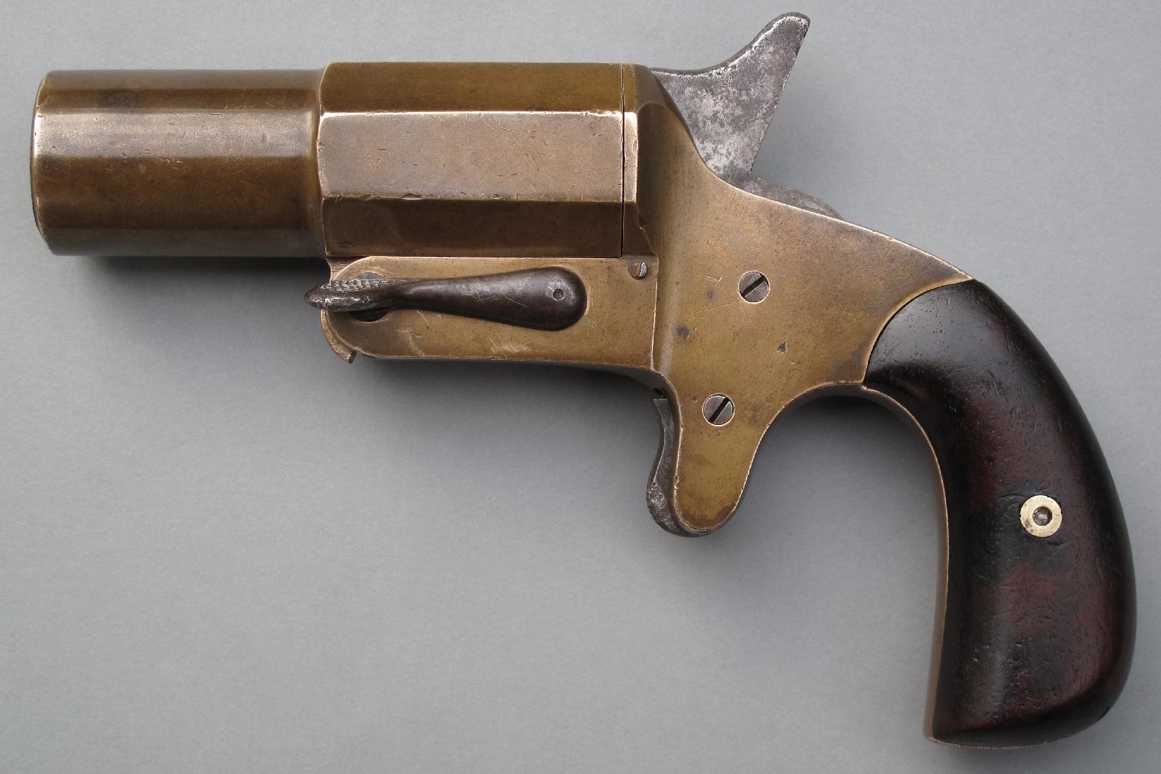 Le pistolet de signalisation de calibre 25 mm fabriqué par la maison parisienne Ruggieri est employé depuis le 1er juin 1891 par le service de télégraphie militaire.