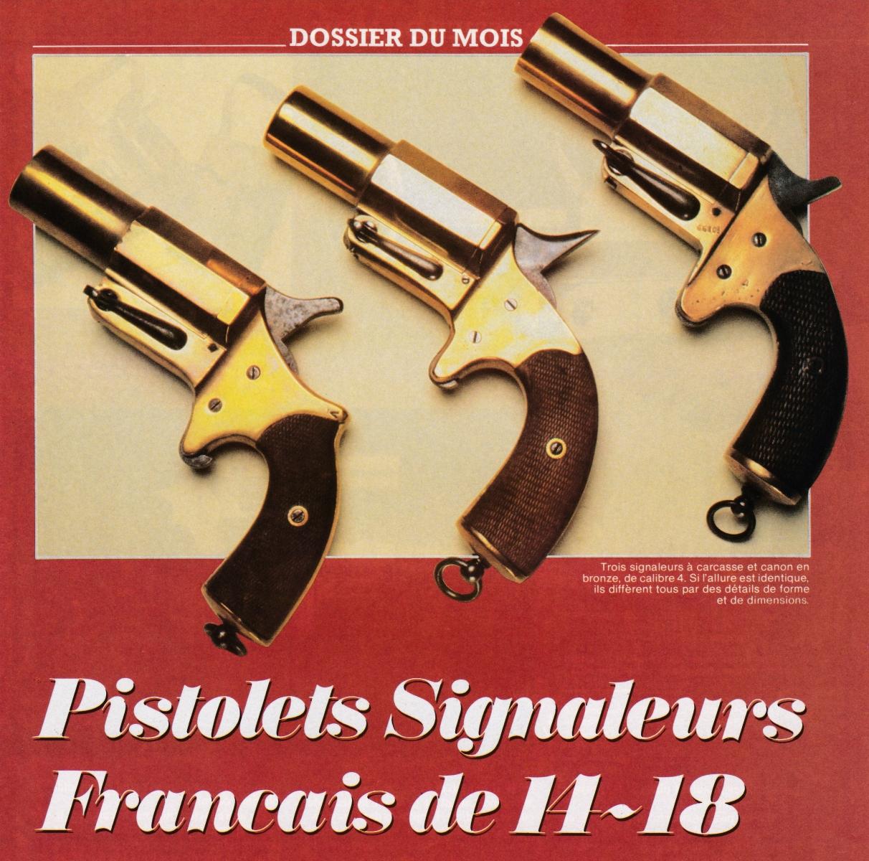 Ces trois pistolets lance-fusées réglementaires français à canon court diffèrent par des détails de forme et de dimensions.