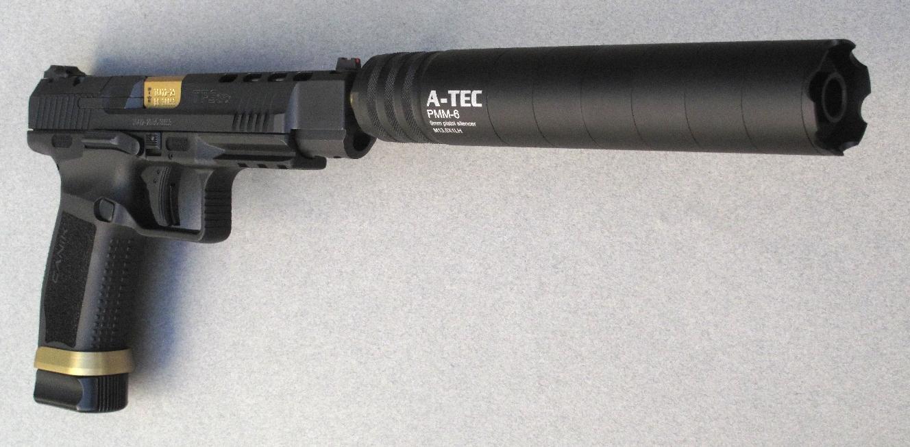 Construit en alliage léger, le modérateur de son A-TEC PMM-6 bénéficie d'un poids extrêmement raisonnable qui ne compromet pas l'équilibre de l'arme sur laquelle il est installé.
