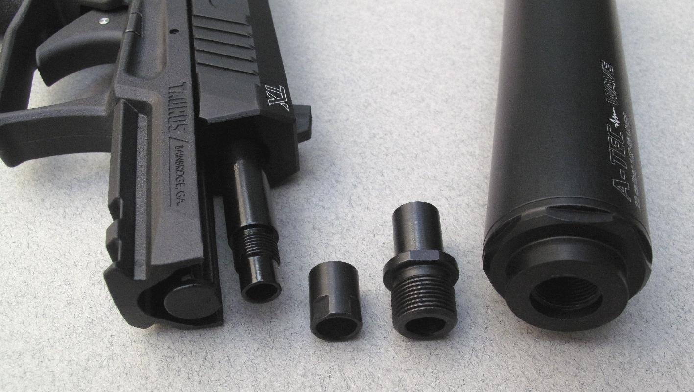 L'installation d'un modérateur de son nécessite le remplacement de la bague qui protège le filetage du canon par une bague adaptatrice.