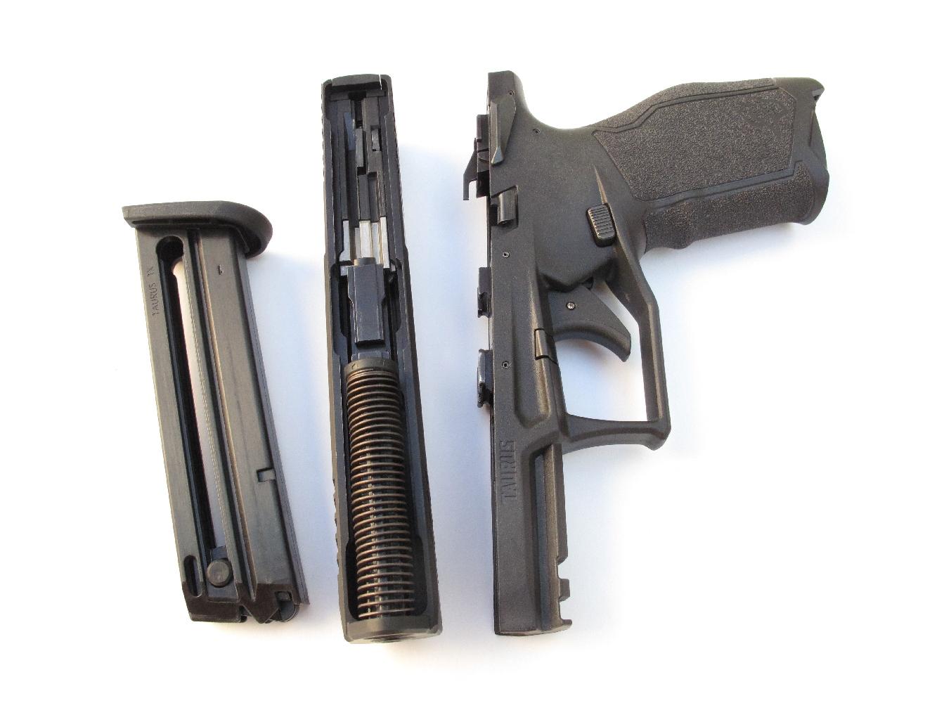 Le démontage sommaire de ce pistolet s'effectue selon une procédure identique à celle des pistolets de gros calibre de dernière génération.