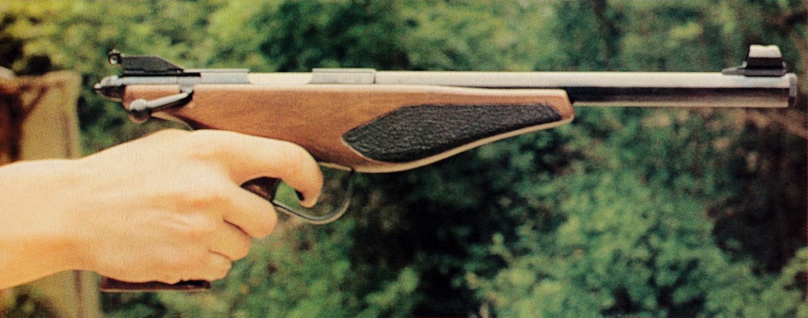 Le pistolet Phantom reste suffisamment léger pour permettre le tir à bras franc.