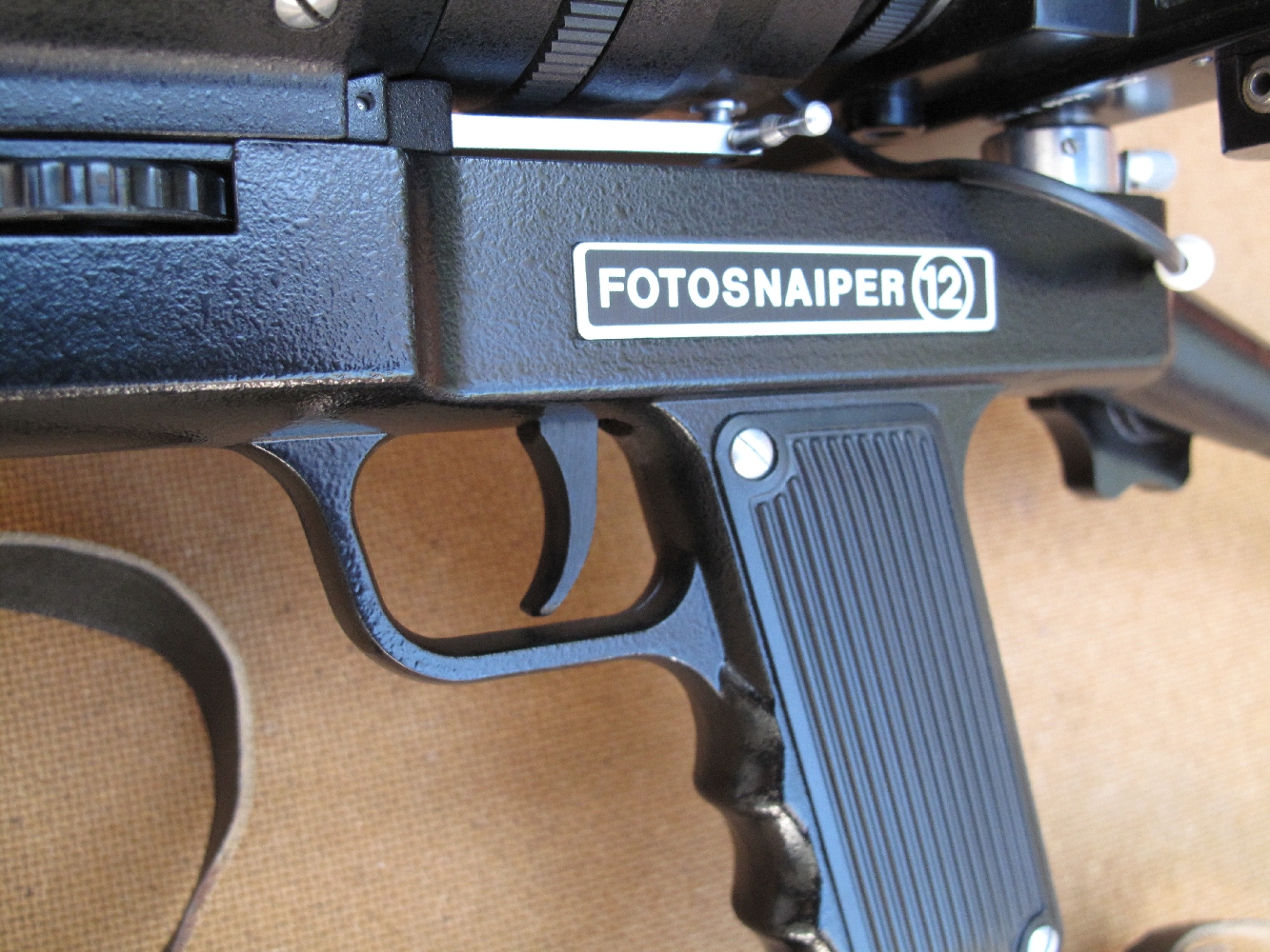 Cet ensemble photographique destiné à l'exportation reçoit des appellations différentes, comme « Photosnaiper » ou « PhotoSniper », en fonction sans doute du pays auquel il est destiné.